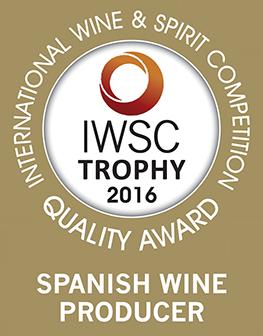 IWSC2016-SpanishWineProducerOTY-Trophy-PNG